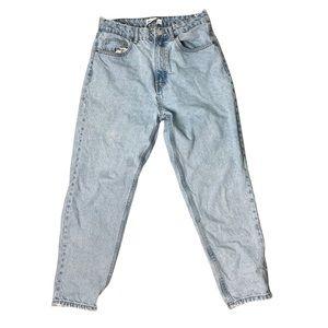 ZARA Light Wash Denim Mom Jeans High Rise Unfinished Raw Hem Size 8 Pre-Owned